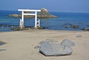 二見ヶ浦 鯨岩