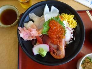 漁港の海鮮丼